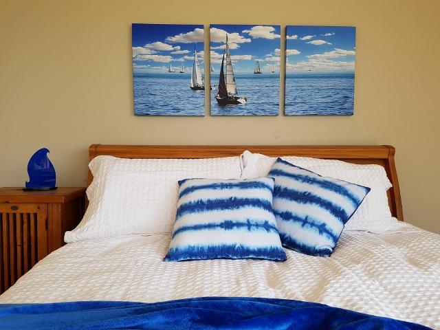 Triptych canvas print display